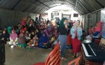 Suasana para pengungsi Tsunami di Posko Cikadu (Foto: Ridwan/Industry.co.id)