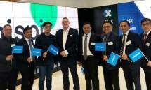 Direktur Strategic Portfolio Telkom Achmad Sugiarto (kedua dari kanan)