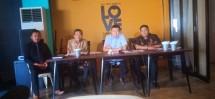 Karna Brata Lesmana (Kedua dari kanan), pengusaha asal Jakarta yang Mengaku Jadi Korban Pembatalan Sertifikat Lahan Miliknya