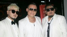 Firman Siagian (tengah), Kini bergabung dengan kelompok ST 12 bersama Pepep dan Indra