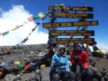Tim Pendaki Termuda Pelajar BPK Penabur Berhasil Taklukan Kilimanjaro