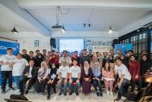 Para peserta seminar PT Anabatic Digital Raya bertajuk Digitalk berpose seusai acara di Ngalup Coworking Space, Malang, Jawa Timur, Rabu (23/10/2019). (Foto: istimewa)