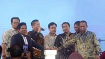 Para Pengurus Himpunan Pengusaha Online Internasional (HIPO) merayakan milad 1 di Ball Room JIexpo Kemayoran Jakarta.