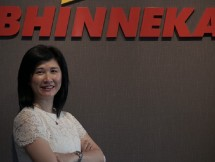 Vensia Tjhin sebagai Chief of Commercial & Omnichannel Bhinneka.Com