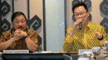 Wakil Komite Tetap Industri Hulu dan Petrokimia Kadin Indonesia, Achmad Widjaja (kanan)