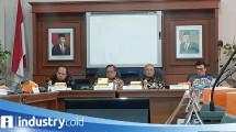 Dirjen KPAII Kemenperin Doddy Rahadi bersama Staf Khusus Menteri Perindustrian Amir Sambodo (Foto: Ridwan/Industry.co.id)