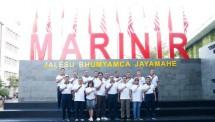 Olahraga Bersama BNI-Prajurit dan PNS Korps Marinir