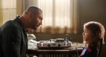 Dave Bautista sebagai Mata Mata bernama JJ bersama Chloe Coleman (Sophie) dalam film My Spy yang memadukan eksyen dan komedi.