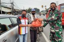 Masyarakat Perantau Asal Padang Donasi Sembako untuk Warga Jakarta