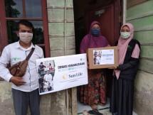 Dompet Dhuafa Waspada dan Sun Life Bagikan Paket Sembako Kepada Masyarakat Kota Medan di Tiga Kecamatan