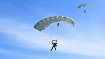 60 Prajurit Batalyon Intai Amfibi 2 Marini Tingkatkan Kemampuan Terjun Free Fall
