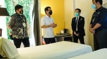 Menparekraf Wishnutama Kusubandio saat meninjau kesiapan sejumlah hotel untuk tempat isolasi pasien covid-19 tanpa gejala