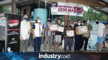 Jababeka Group bersama tenant dan PT Banten West Java membagikan masker gratis di sekitar KEK Tanjung Lesung