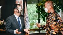 Menperin Agus Gumiwang Kartasasmita saat melakukan pertemuan dengan Duta Besar Jepang untuk Indonesia, Kanasugi Kenji