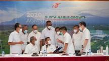 Jajaran Direksi dan Komisaris PT Arwana Citramulia Tbk. seusai RUPST tahun buku 2020