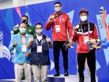 Gubernur Anies dan Atlet Renang DKI PON XX Papua