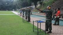 Perwira Batalyon Infanteri 6 Marinir Cilandak Tingkatkan Kemampuan Menembak Pistol
